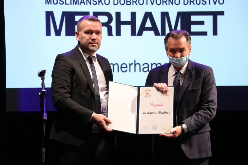 Haris Silajdžić i Latinka Perović dobitnici Merhametove nagrade