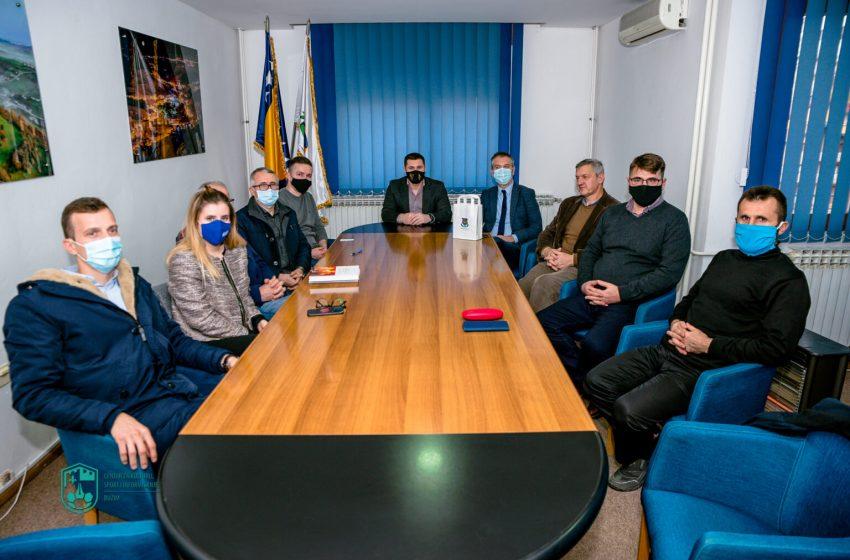 """Predsjednik BZK """"Preporod"""" prof. dr. Sanjin Kodrić u posjeti Općini Bužim"""
