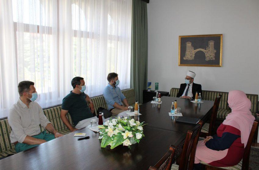 """Delegacija Regionalnog društva BZK """"Preporod"""" Hercegovina u posjeti Muftijstvu mostarskom"""